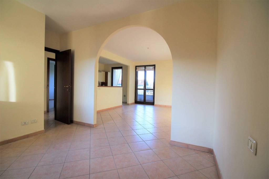 Appartamento in buone condizioni in vendita Rif. 8505375