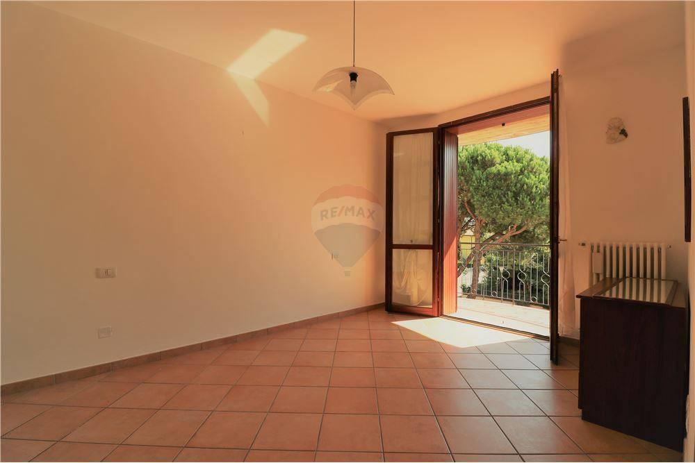 Appartamento in buone condizioni in vendita Rif. 8864071