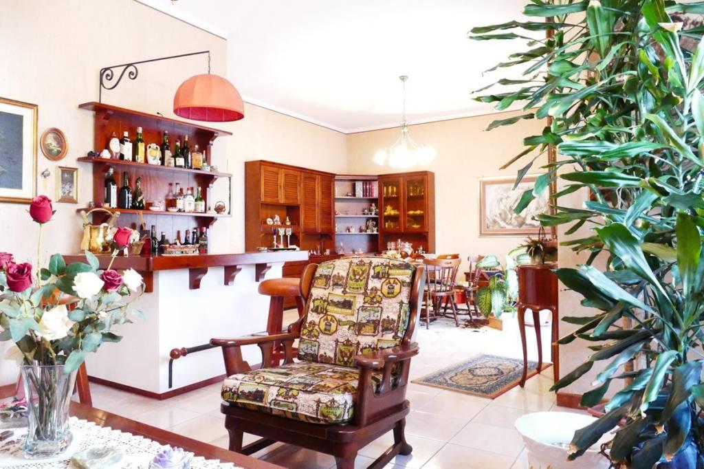 Appartamento in Vendita a Belpasso Centro: 5 locali, 140 mq
