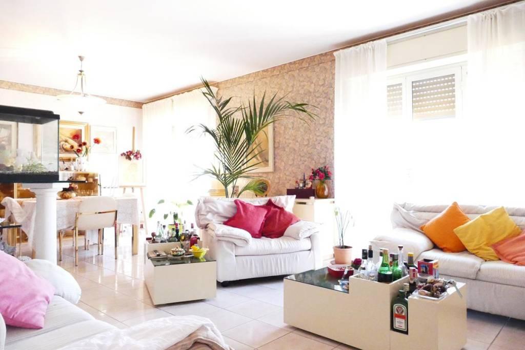 Appartamento in Vendita a Belpasso Centro: 5 locali, 180 mq