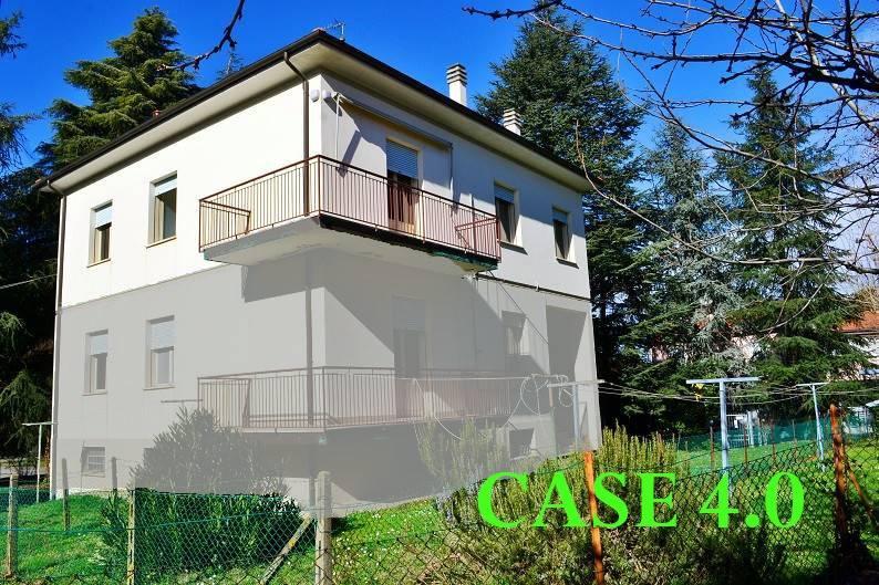 Appartamento in buone condizioni parzialmente arredato in vendita Rif. 9247665