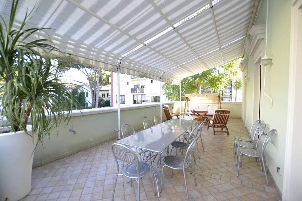 Appartamento in Vendita a Riccione Centro:  4 locali, 130 mq  - Foto 1