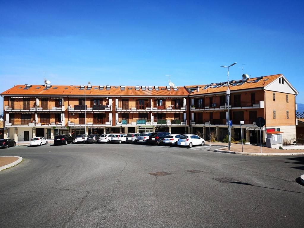 Appartamento in vendita a San Cesareo, 6 locali, prezzo € 172.000 | CambioCasa.it