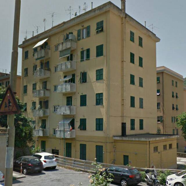 Foto 1 di Trilocale Passo Ponte Carrega 30, Genova (zona Valbisagno (Prato-Molassana-Struppa-S.Gottardo-S.Eusebio))