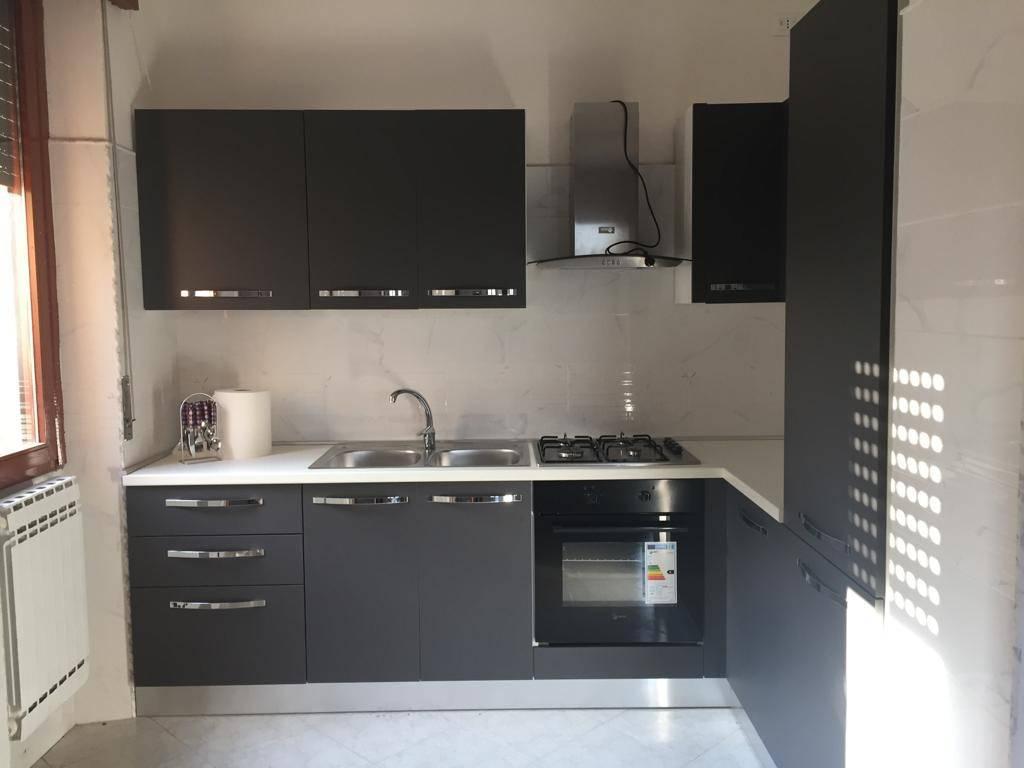 Appartamento in vendita a Leno, 3 locali, prezzo € 65.000 | CambioCasa.it