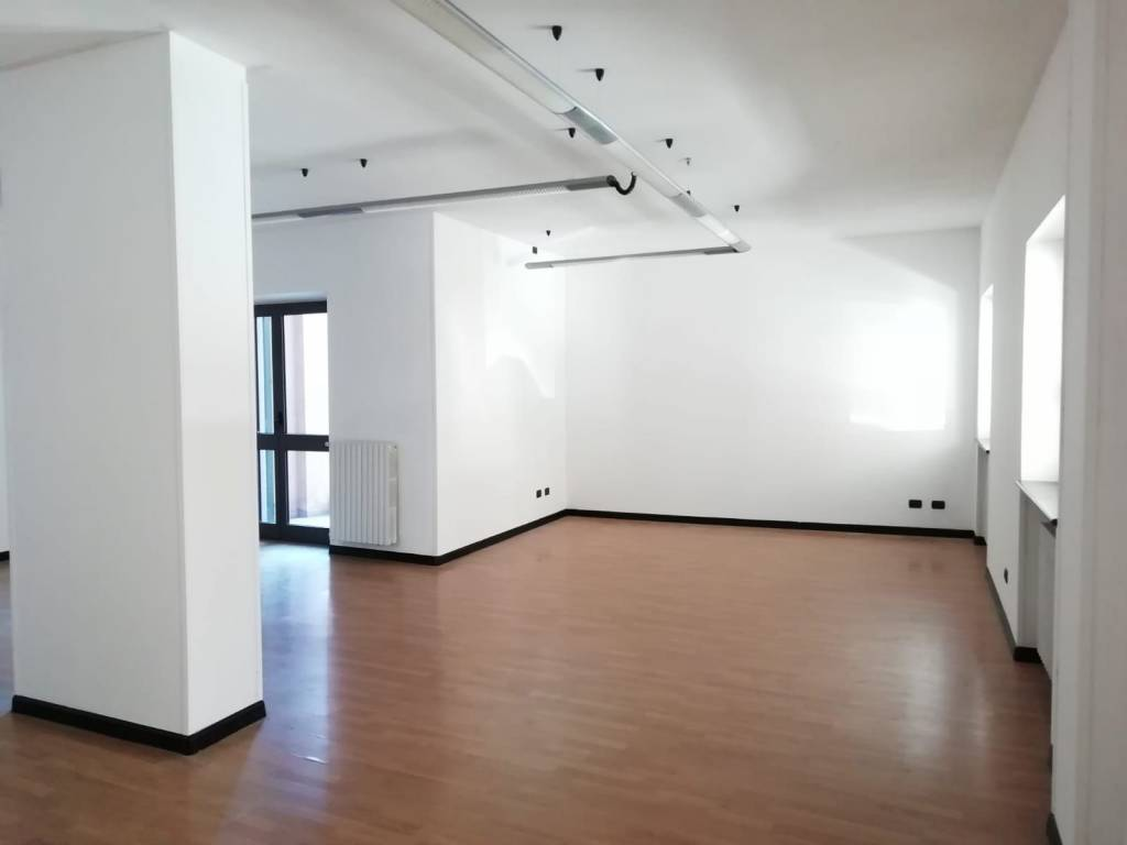 Foto 1 di Loft / Open space via Giacomo Matteotti, Fossano