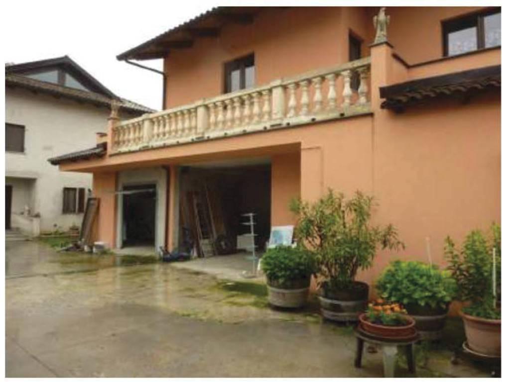 Villa in Vendita a Carignano