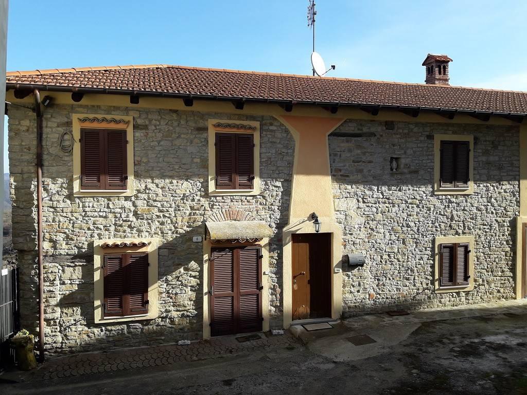 Foto 1 di Villa piazza San Nazzaro 6, Bosia