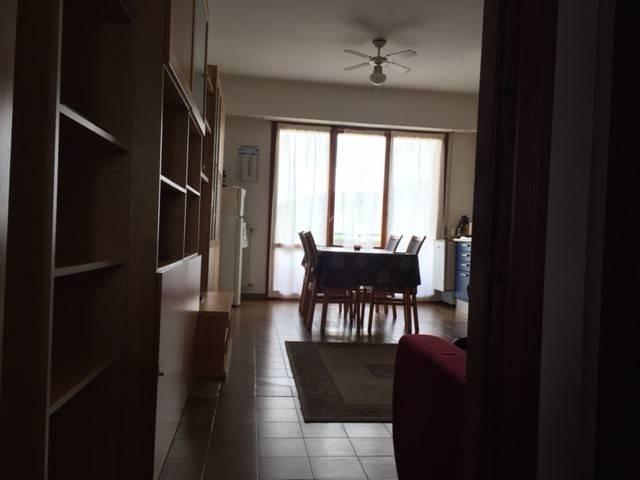 Appartamento in buone condizioni in affitto Rif. 9195171