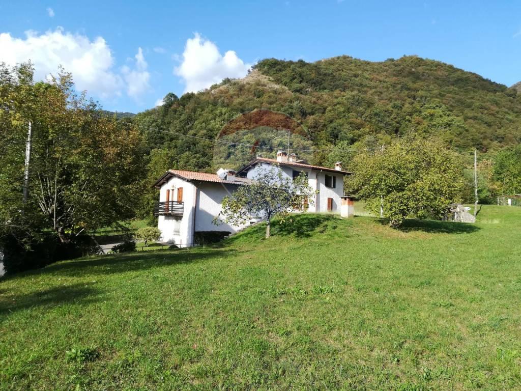 Villa in vendita a Gardone Riviera, 10 locali, prezzo € 760.000 | CambioCasa.it