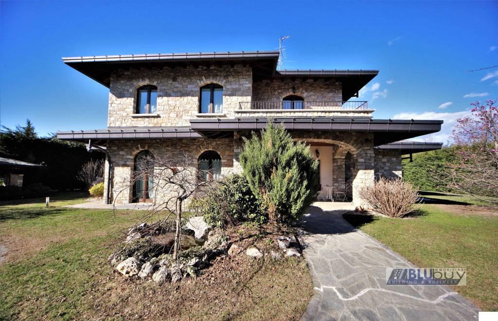 Villa in vendita a Uggiate-Trevano, 7 locali, prezzo € 760.000 | PortaleAgenzieImmobiliari.it