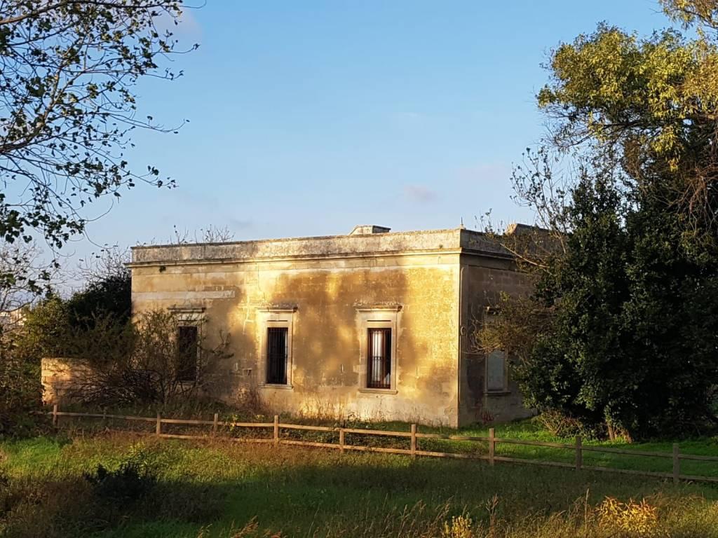 Rustico / Casale da ristrutturare in vendita Rif. 9270858