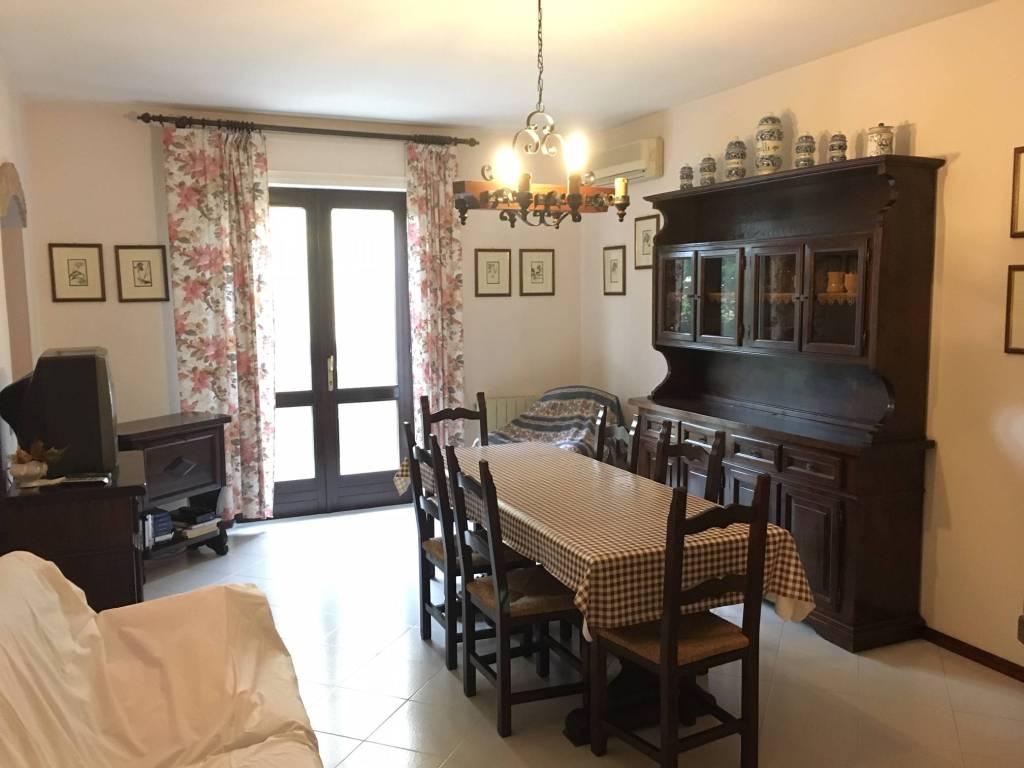 Villa in vendita a Decimomannu, 15 locali, Trattative riservate   CambioCasa.it