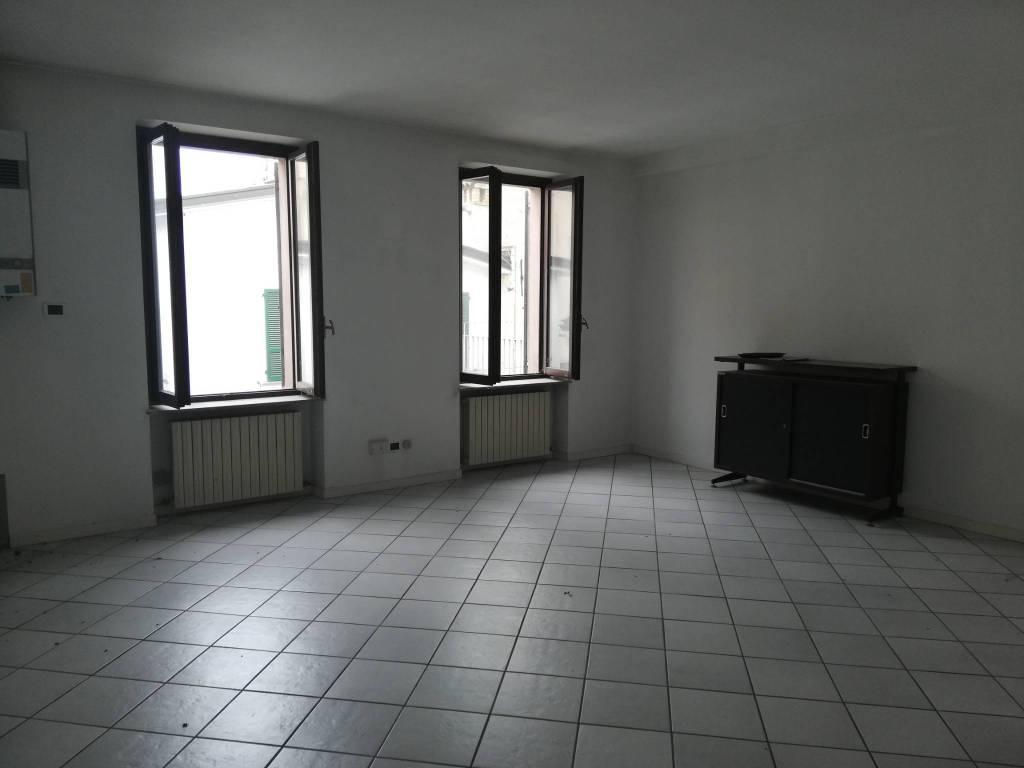 Ufficio-studio in Vendita a Carpaneto Piacentino: 3 locali, 80 mq