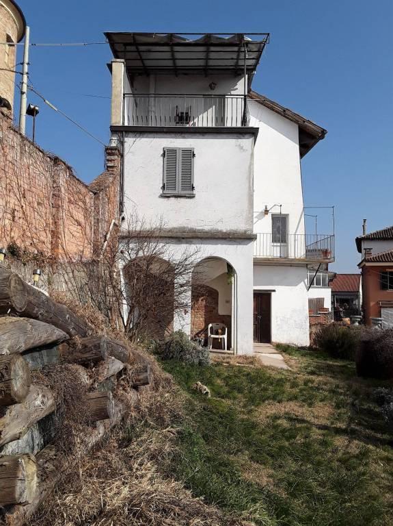 Foto 1 di Rustico / Casale via Bertolotti 7, Revigliasco D'asti