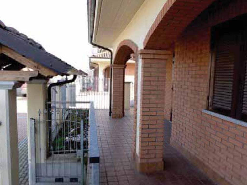 Villa in vendita a Beinasco, 3 locali, prezzo € 205.000 | CambioCasa.it