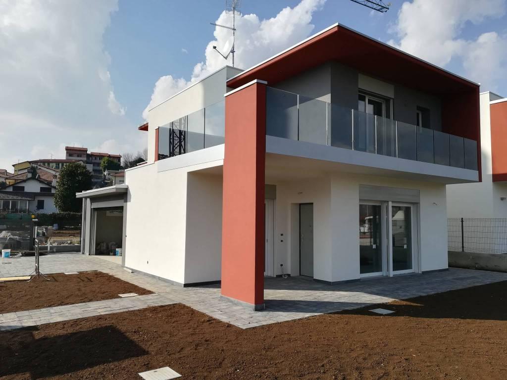 Villa in vendita a Oltrona di San Mamette, 5 locali, prezzo € 398.000 | PortaleAgenzieImmobiliari.it