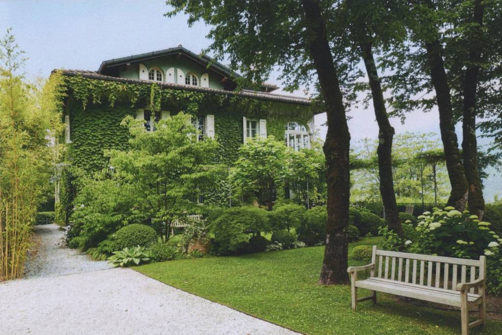 Villa in Vendita a Menaggio