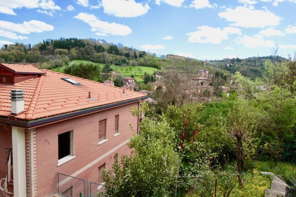 Foto 1 di Villa via Valverde 24, Bologna