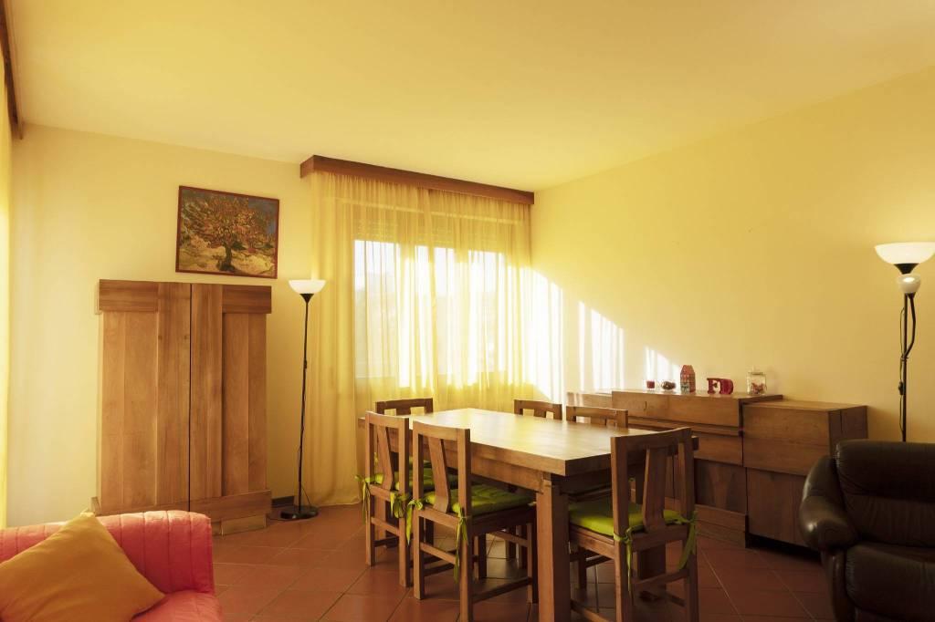 Foto 1 di Appartamento via Giacchino Rossini, Montecatini Terme