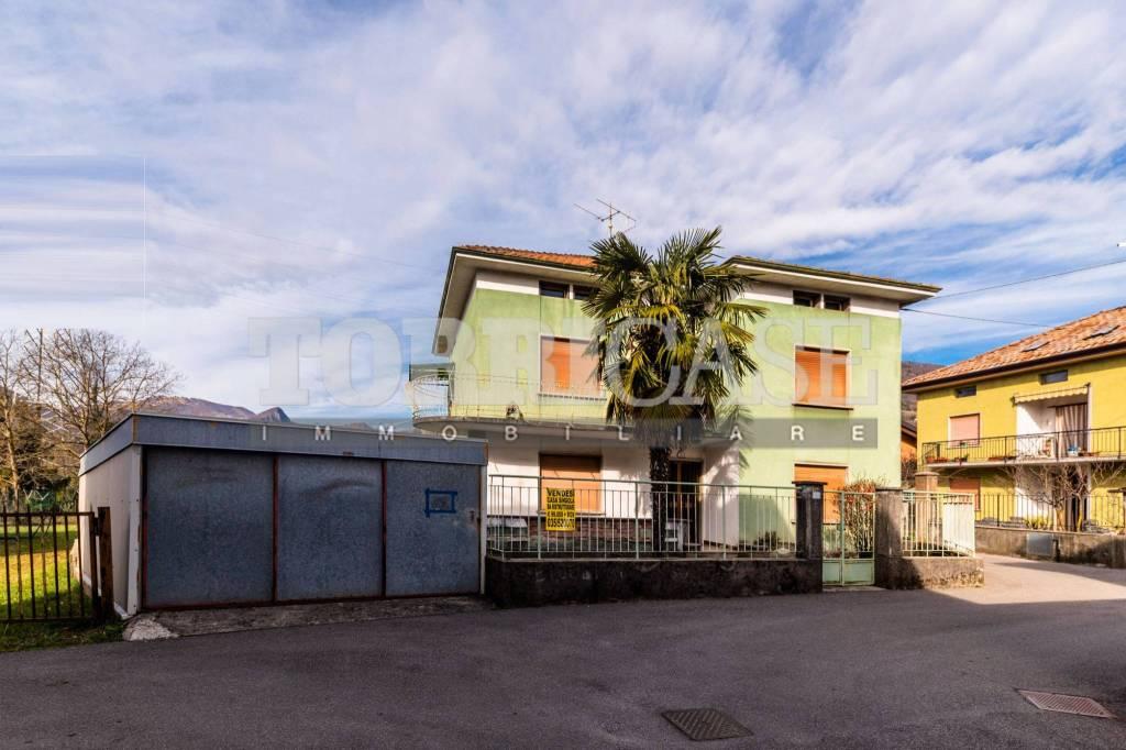 Villa in vendita a Casnigo, 4 locali, prezzo € 99.000 | PortaleAgenzieImmobiliari.it