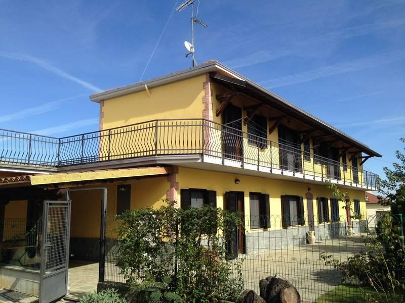 Villa in vendita a Pecetto di Valenza, 8 locali, prezzo € 330.000 | CambioCasa.it