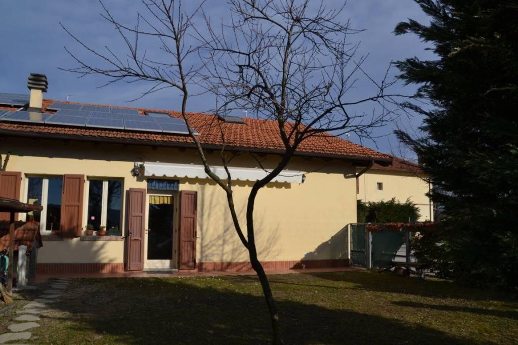 Foto 1 di Casa indipendente via Monte Adone, Monzuno
