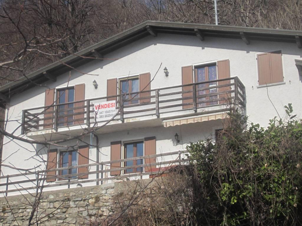 Villa in vendita a Zelbio, 7 locali, prezzo € 165.000   PortaleAgenzieImmobiliari.it