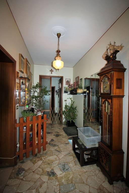 Villa in vendita a Vicenza, 9 locali, prezzo € 365.000 | CambioCasa.it