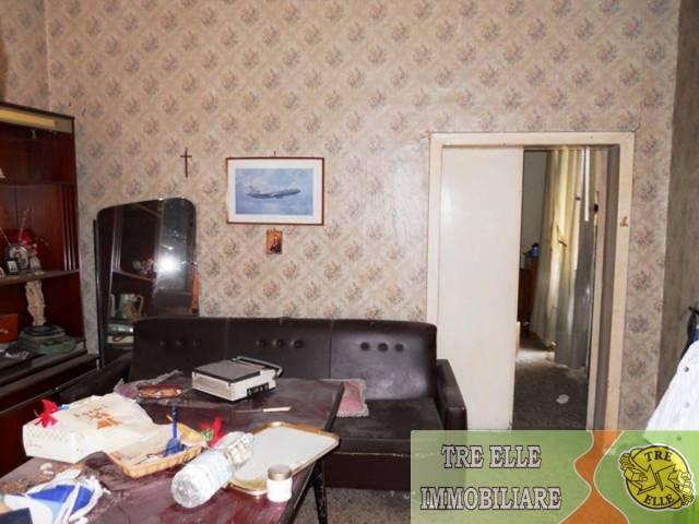 Appartamento Su 2 Livelli Con Balcone E Terrazzo A Livello