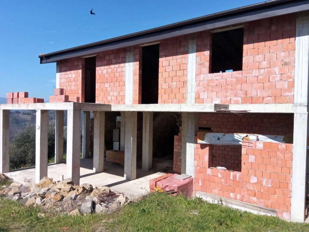 Villa in vendita a Perinaldo, 5 locali, prezzo € 87.000 | CambioCasa.it