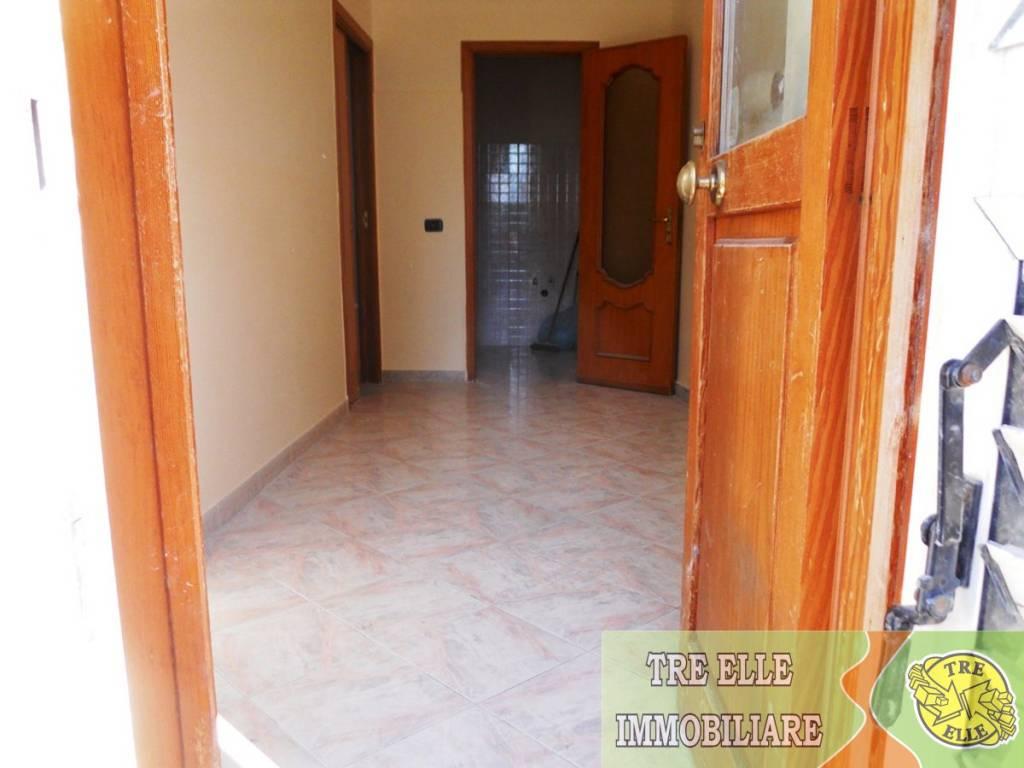 Appartamento in buone condizioni in vendita Rif. 8340604