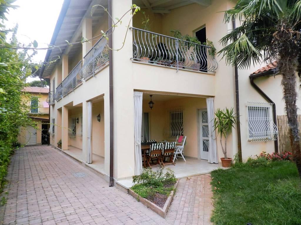 Appartamento in vendita a Forte dei Marmi, 6 locali, prezzo € 600.000   PortaleAgenzieImmobiliari.it