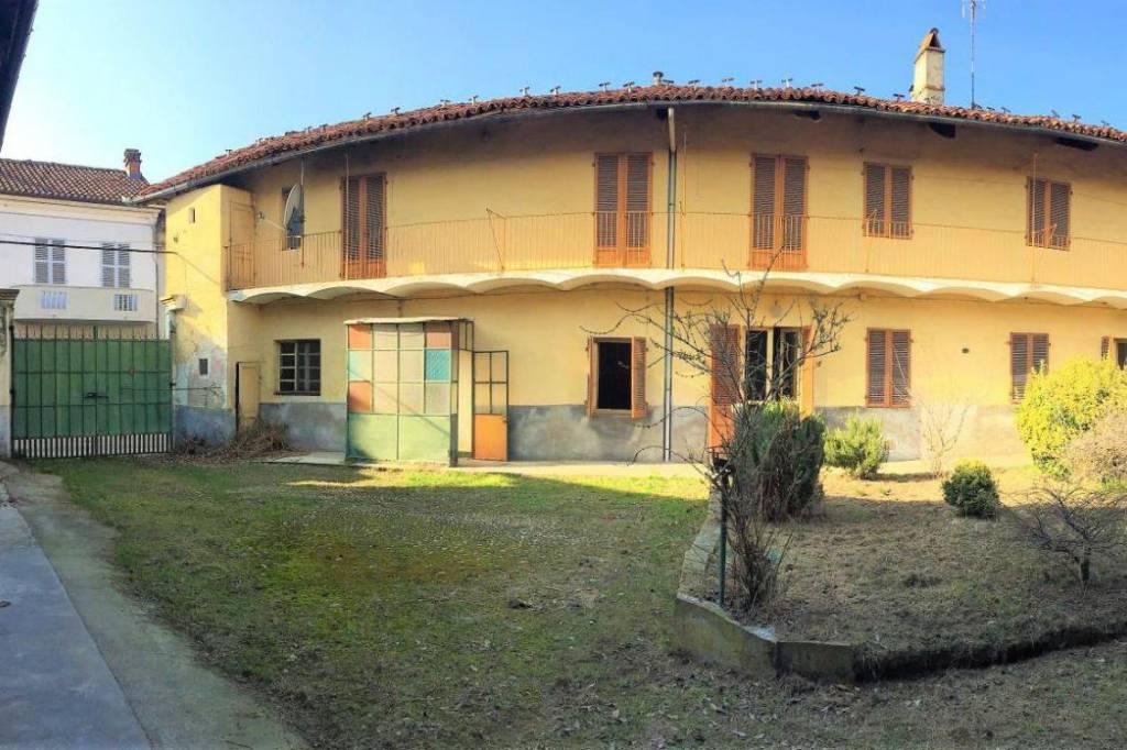 Foto 1 di Rustico / Casale via Pietro Micca 9, Sommariva Del Bosco