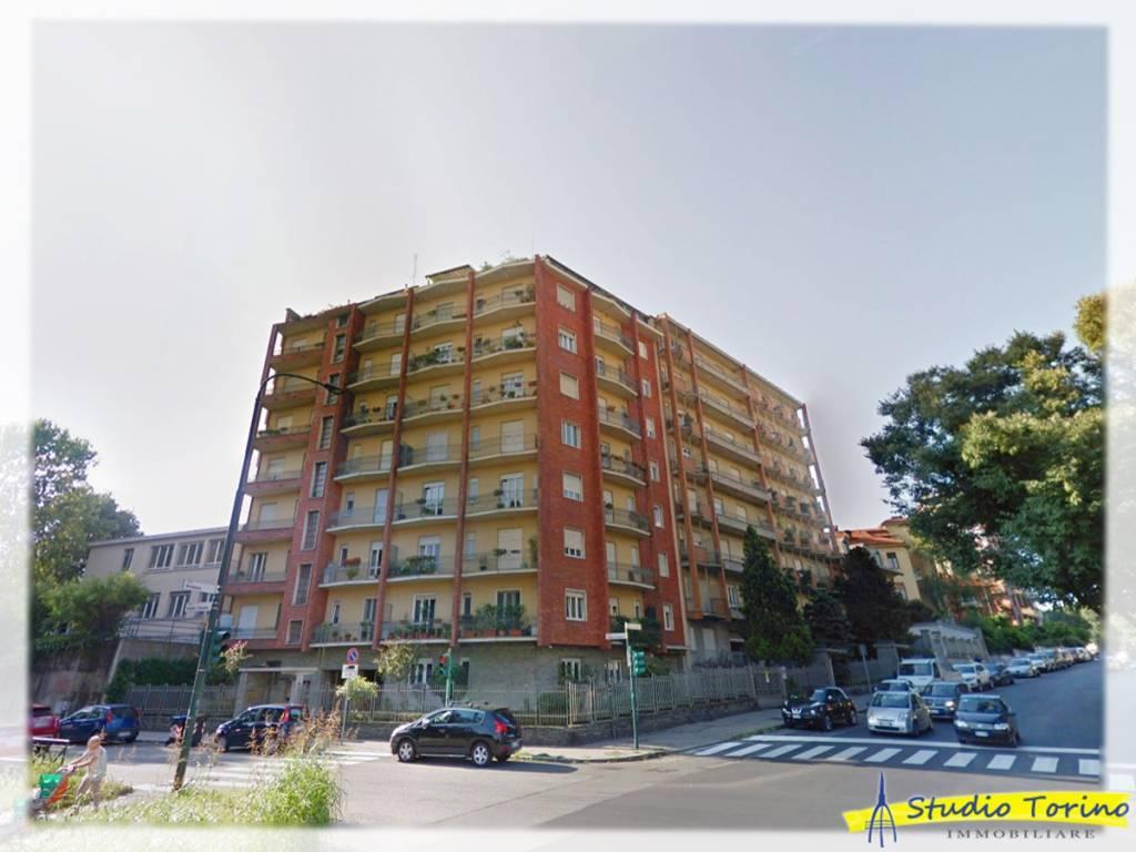 Foto 1 di Trilocale corso Appio Claudio 23, Torino (zona Cit Turin, San Donato, Campidoglio)
