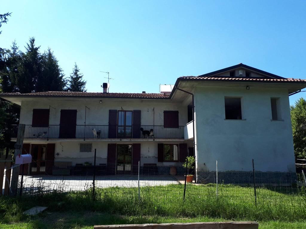 Foto 1 di Villa via Ascheri, Mombasiglio