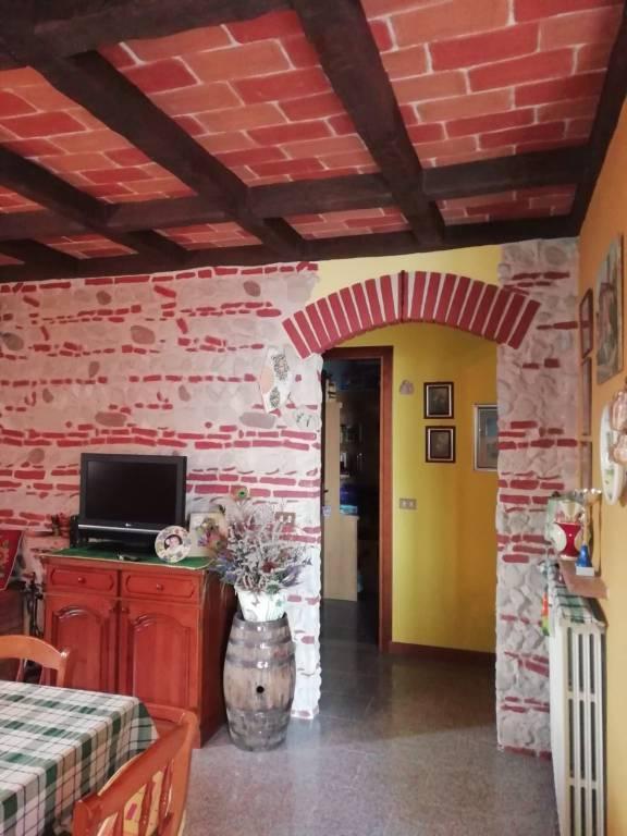 Villa in vendita a Lodrino, 10 locali, prezzo € 280.000 | PortaleAgenzieImmobiliari.it