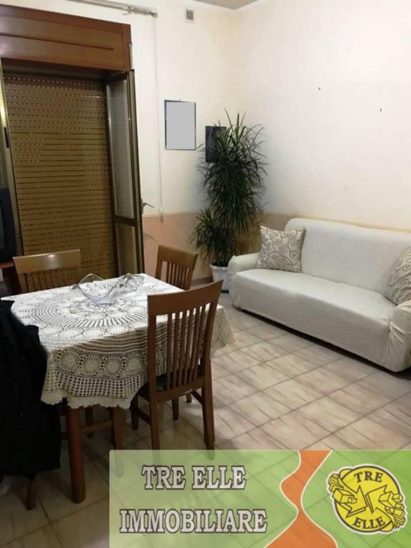 Appartamento in buone condizioni in vendita Rif. 8340605