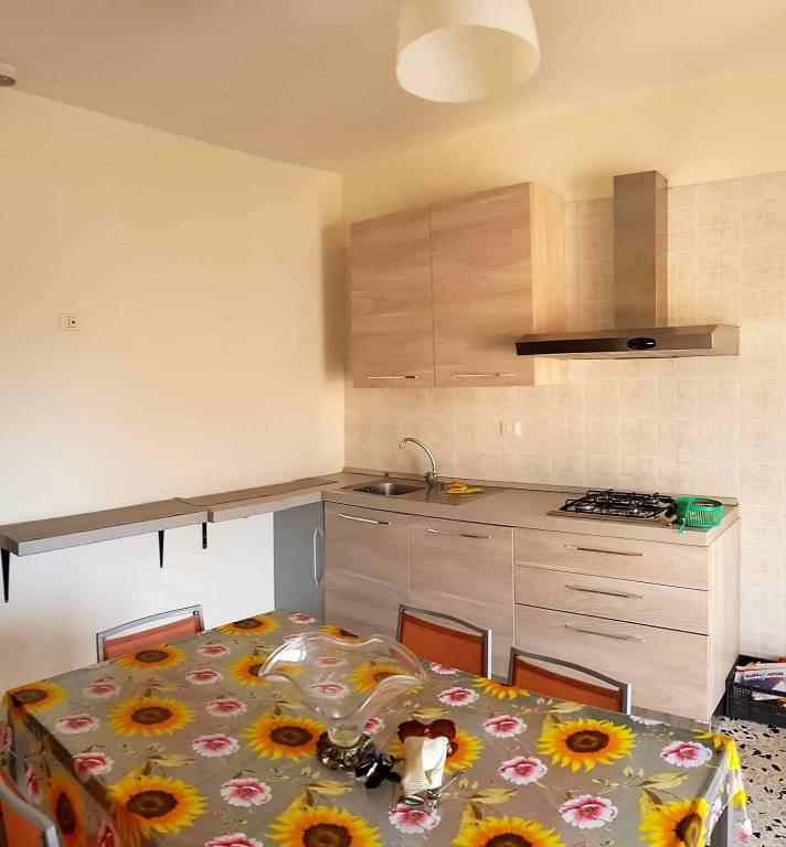 Appartamento in buone condizioni arredato in vendita Rif. 7821850