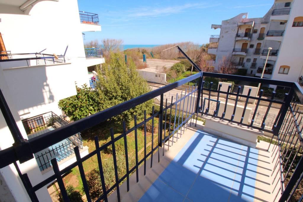 Appartamento in buone condizioni in affitto Rif. 8962954