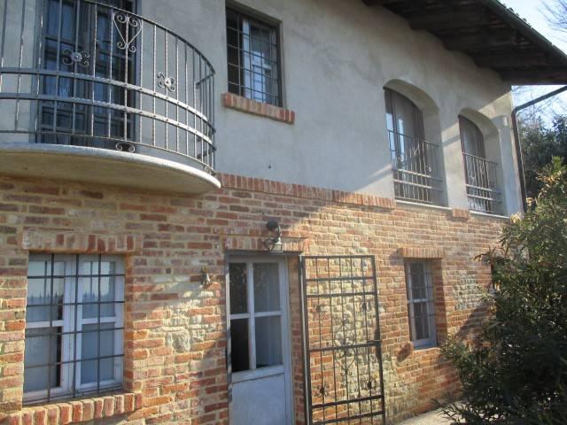 Rustico / Casale in vendita a Montaldo Roero, 7 locali, prezzo € 259.000 | CambioCasa.it