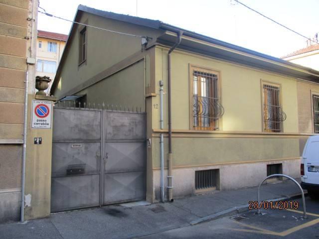 Foto 1 di Casa indipendente via Ferrere 12, Torino (zona Cenisia, San Paolo)