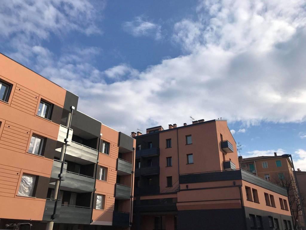 Foto 1 di Trilocale piazza di Porta Mascarella 10, Bologna (zona Irnerio)