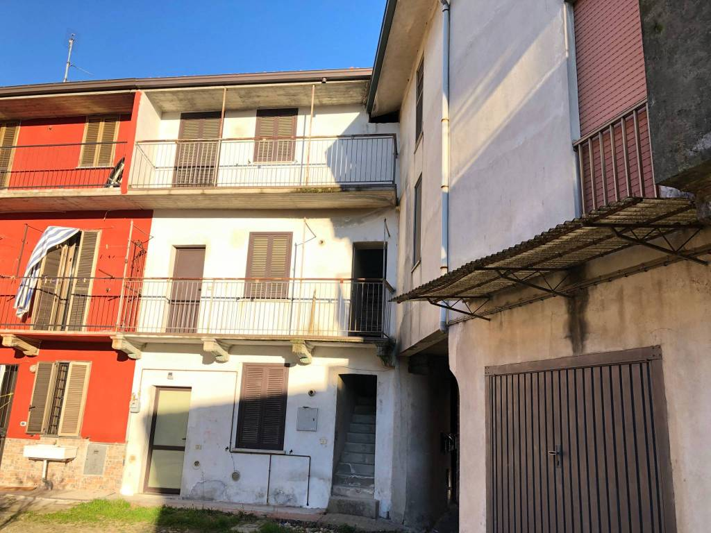 Appartamento in vendita a Cerano, 2 locali, prezzo € 35.000 | CambioCasa.it