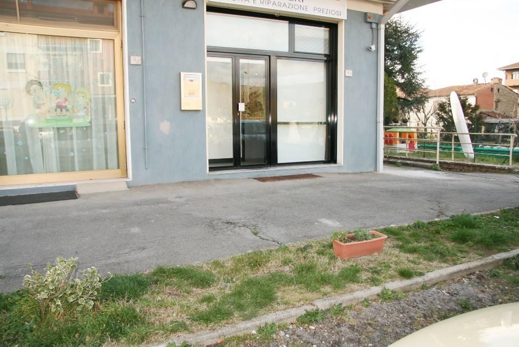 Laboratorio in Affitto a Arezzo: 2 locali, 45 mq