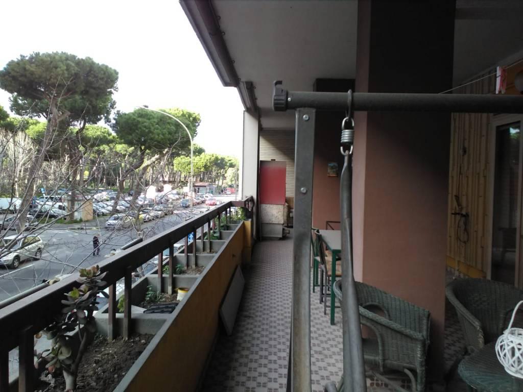 Appartamento in vendita a Roma, 5 locali, zona Zona: 39 . Lido di Ostia, Ostia, Castel Fusano, Torre Paterno, prezzo € 425.000 | CambioCasa.it