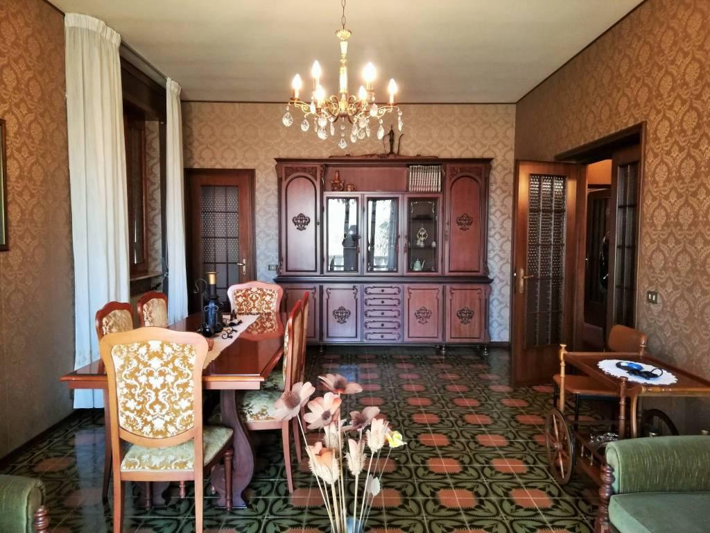 Villa in Vendita a Carpaneto Piacentino: 5 locali, 251 mq