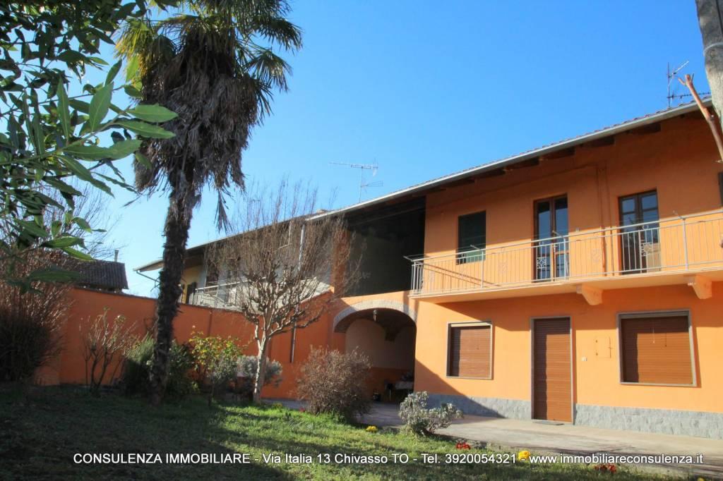 Foto 1 di Rustico / Casale via Rondissone 23, frazione Casale, Mazzè