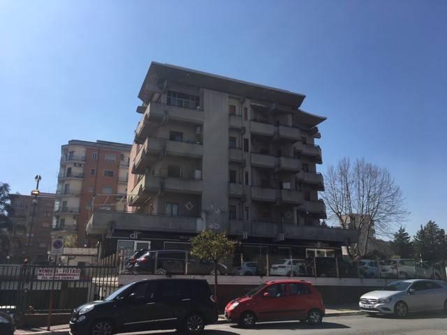 Appartamento in buone condizioni in vendita Rif. 9151203