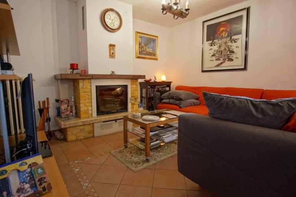 Villa in Vendita a Peschiera Borromeo